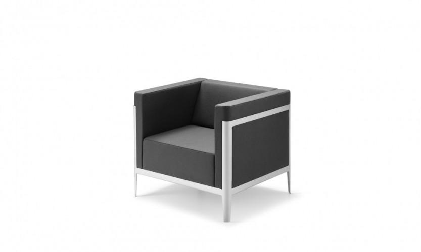 Scape Club Chair 3.4.jpg